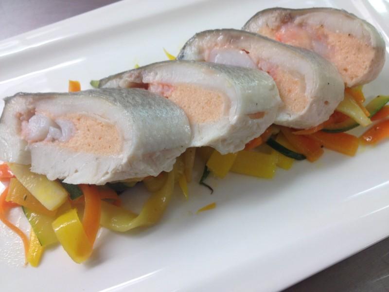 Médaillon de bar farci au saumon et langoustines